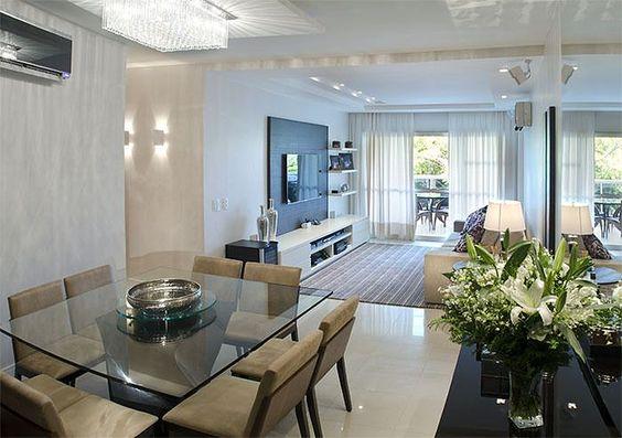 Fotos Sala De Estar E Jantar ~ Sala de jantar compacta integrada com a sala de estar e TV