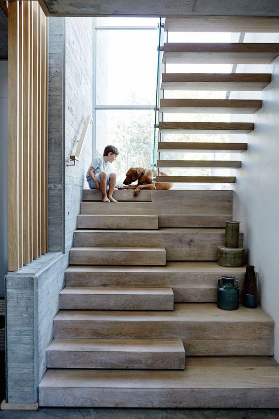 escadas de madeira residenciais internas modelos fotoss. Black Bedroom Furniture Sets. Home Design Ideas