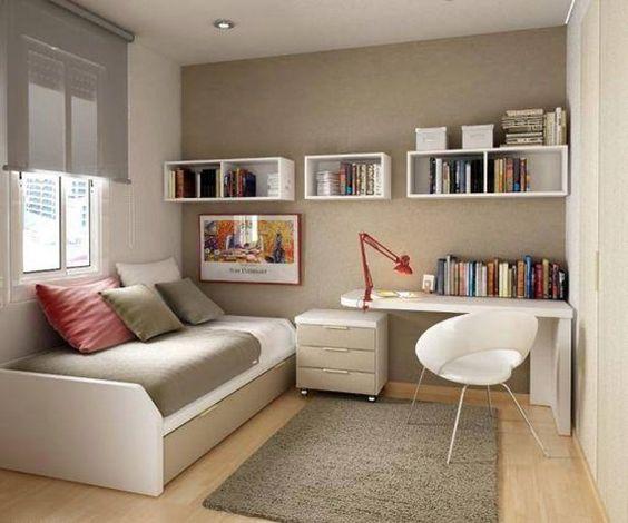 Ideias Para Sala De Estar Baratas ~ Sala de estar com decoração barata com sofá, poltrona e mesinha de