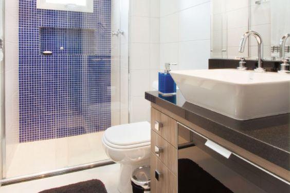 Banheiro Decorado na cor Azul e Branco