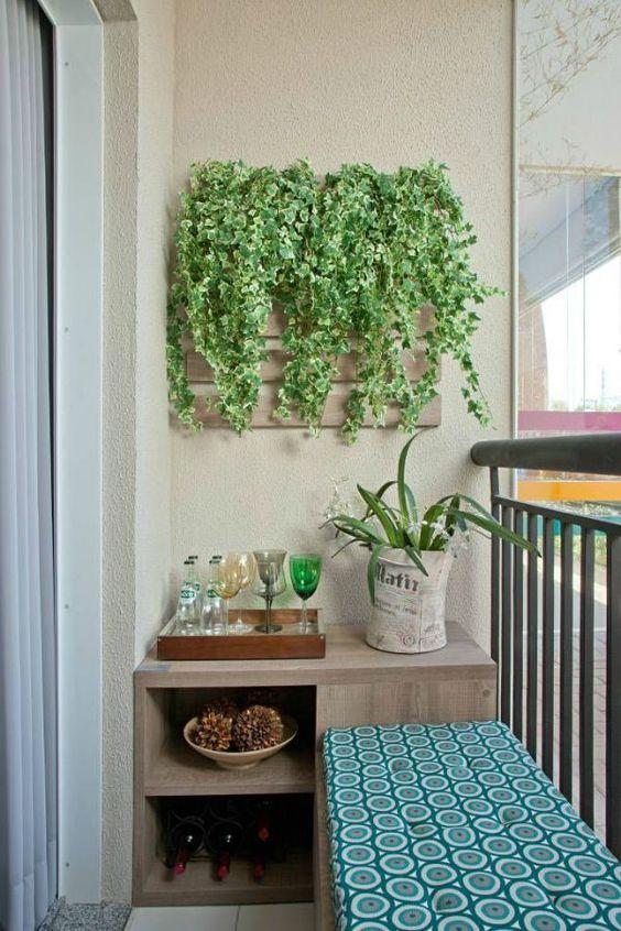 decoração de varandas pequenas com plantas pode, sim, ser muito