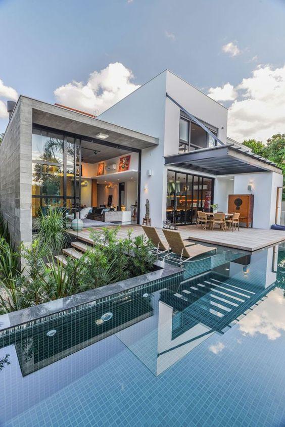 60 pinturas de casas por fora e por dentro for Contemporary house plans with lots of windows