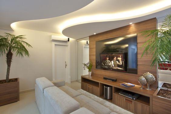 Gesso De Sala Pequena ~ Sala com papel de parede e sanca de gesso com iluminação de LED