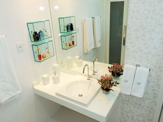 Decoração de Banheiros Simples e Bonitos 20 FotosSó Decor -> Decoracao De Banheiro Com Ceramica Na Parede