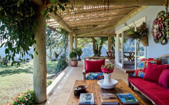 Decora o de varandas de casas grandes modeloss decor - Casa para jardin infantil ...