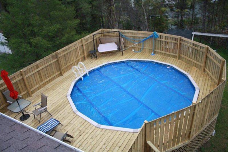 piscina cercada