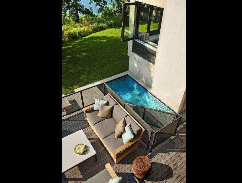 deck sobre piscina