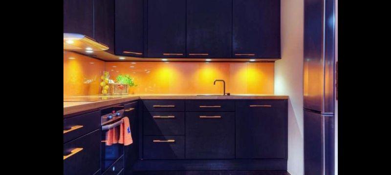 cozinha planejada com luz