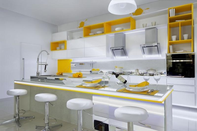 cozinha planejada com reaprtições