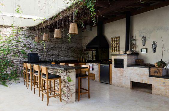 espaço do churrasco com pedra