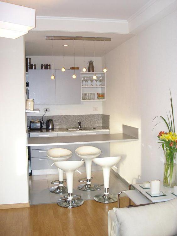 cozinha com spots de luz