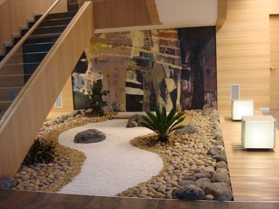 jardim interno com muitas pedras