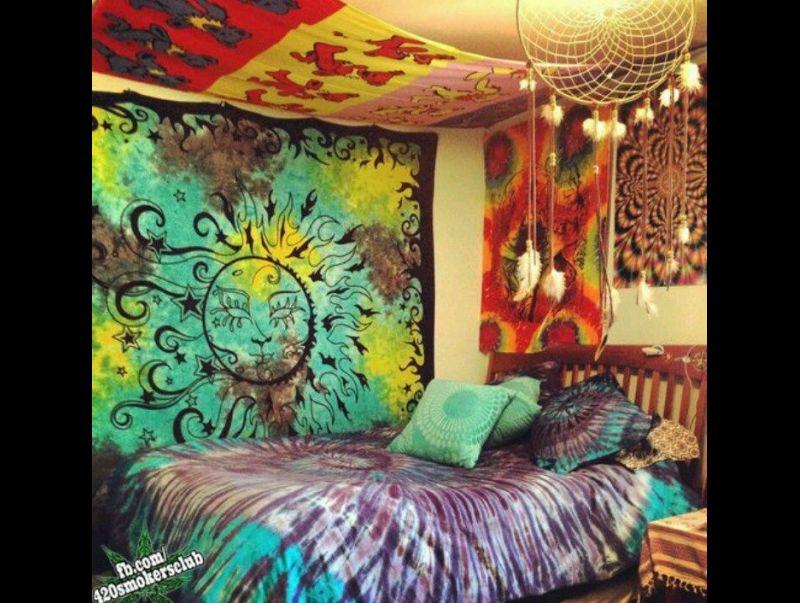 quarto com estilo hippie com toalhas