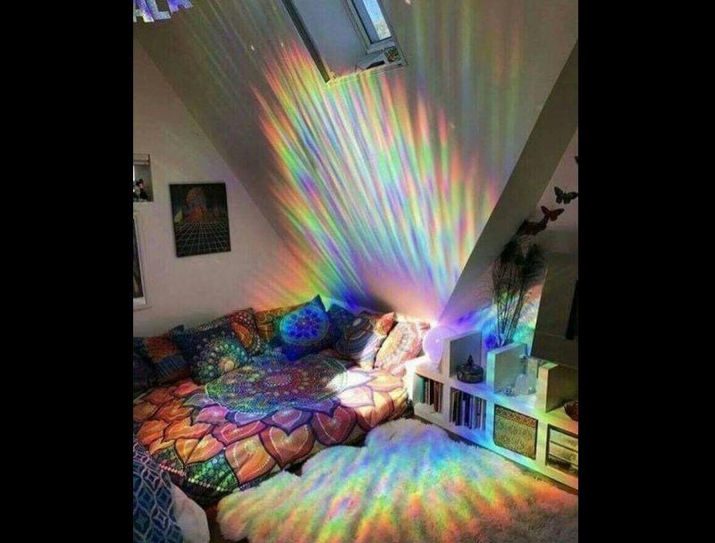 quarto com estilo hippie e luz