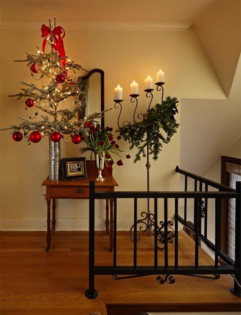 decoração natalina no final do corredor