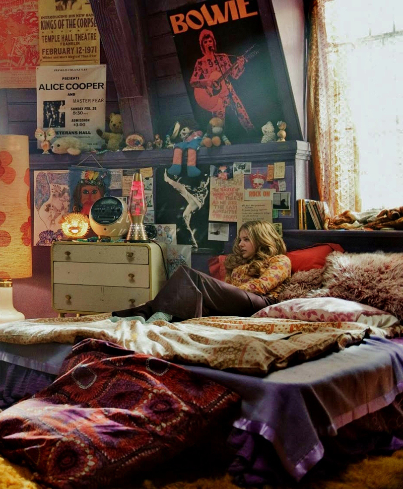 quarto com estilo hippie escuro