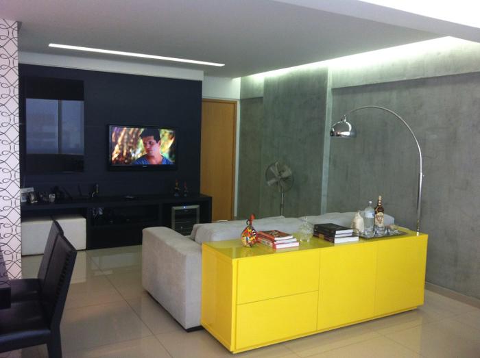 apartamento com parede com concreto aparente