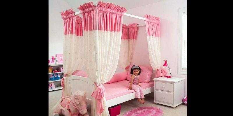 quarto infantil com cama dossel