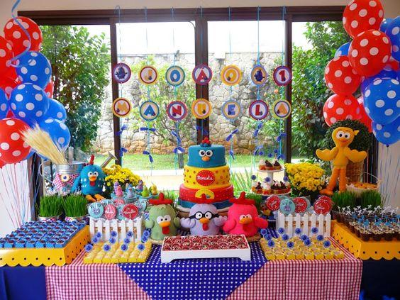 festa da Galinha Pintadinha colorida