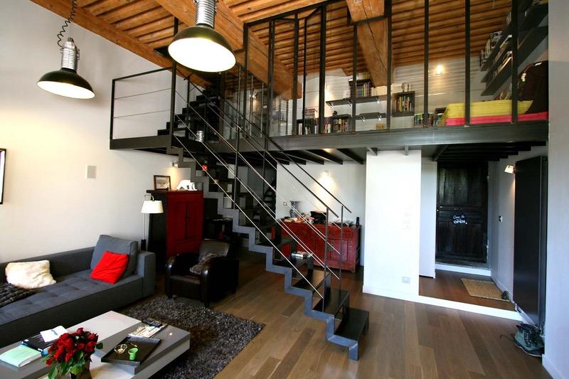 varanda interna com escada