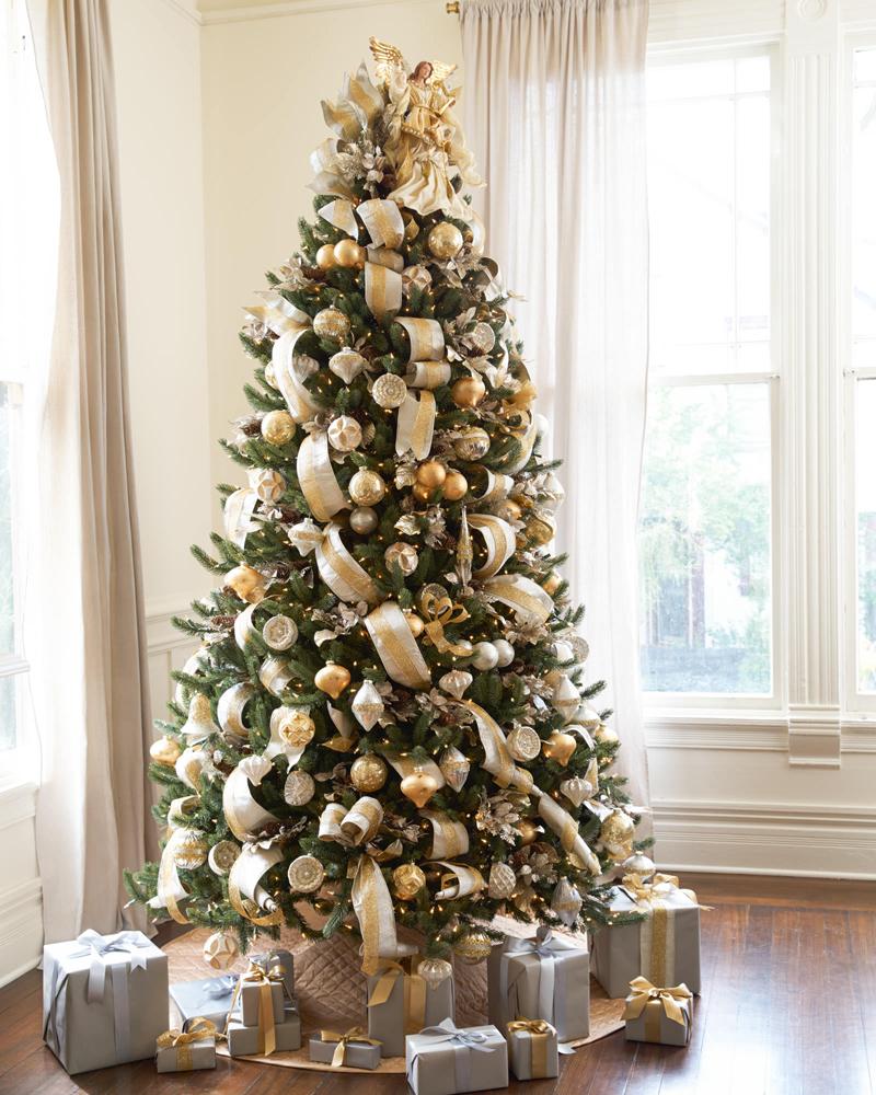 pinheiro natalino com ouro