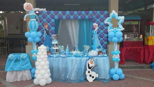 festa Frozen balões