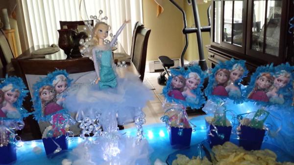 festa Frozen com pisca pisca