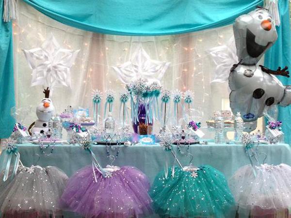 festa Frozen com saia