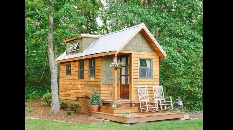 minuscula casa com madeira