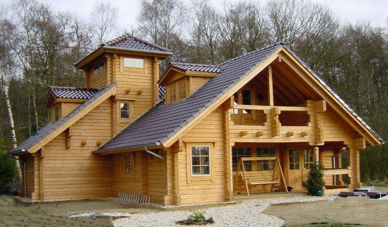 casa com madeira diferente
