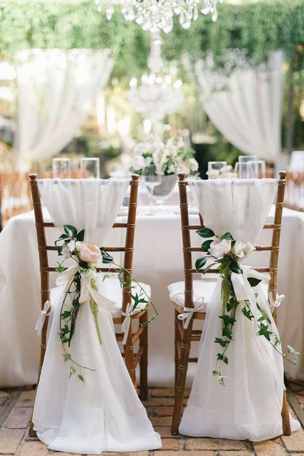 decor casamento cadeiras noivos