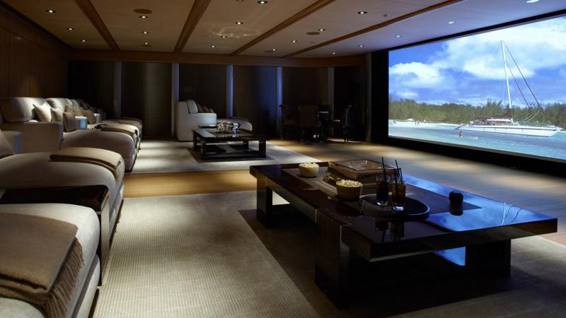 sala de tv enorme