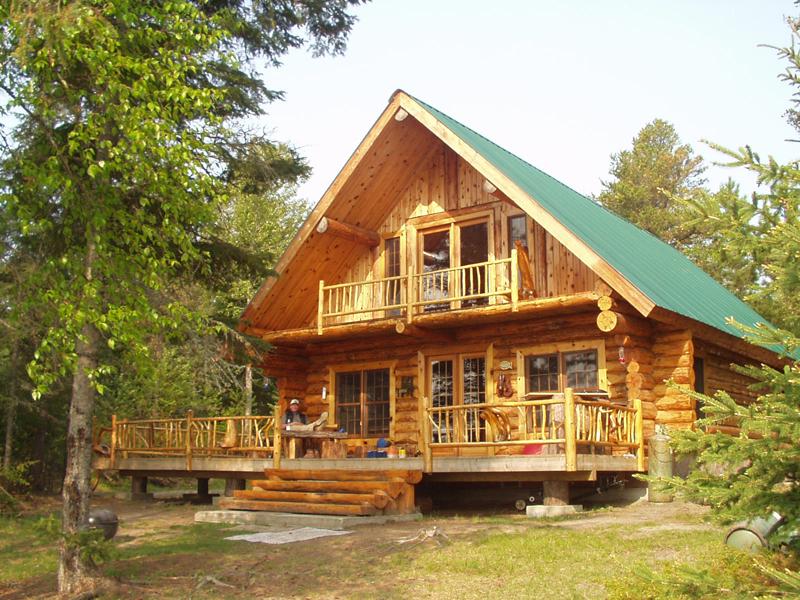 casa com madeira verde