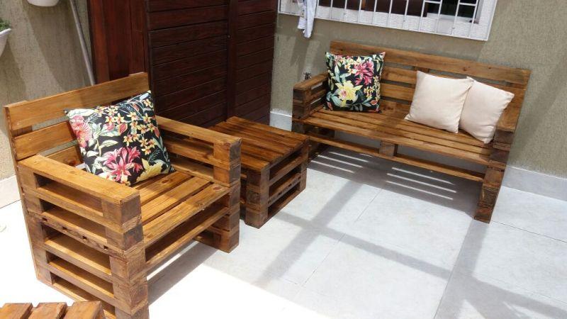 sofa com almofada