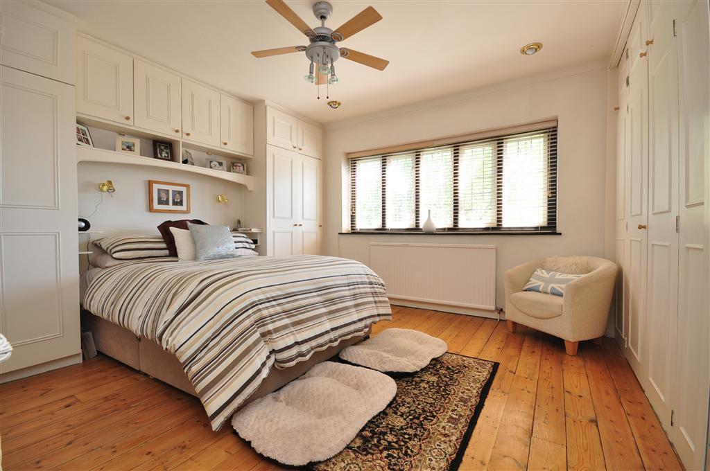 armario planejado com cama