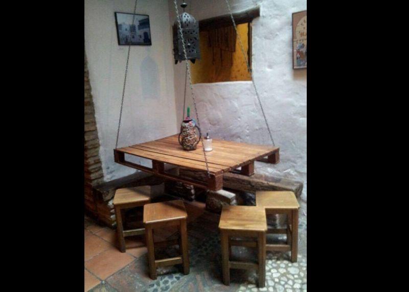 movel de pallet mesa e cadeiras