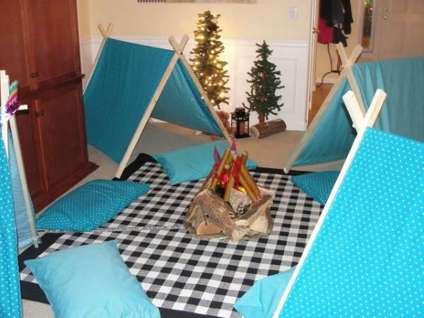 cabana azul com fogueira