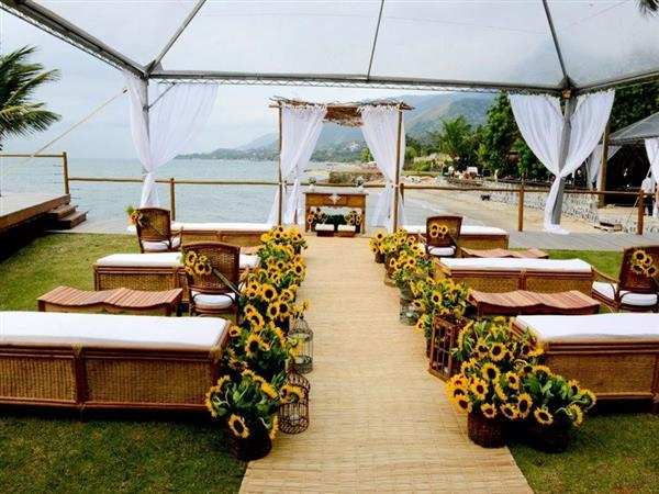 casamento com tenda transparente