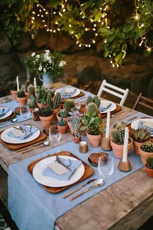 centro de mesa com vasos de cactos