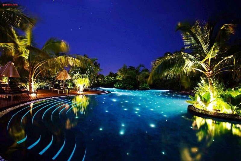 iluminacao_jardim com piscina