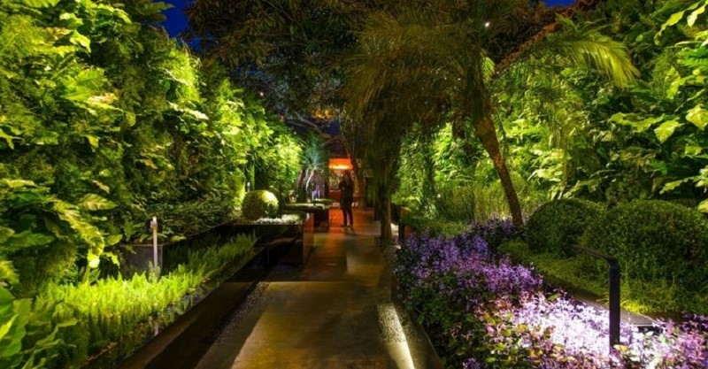 refletores-para- iluminação-de-jardim