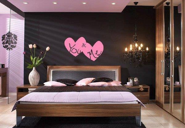 quarto de casal com rosa