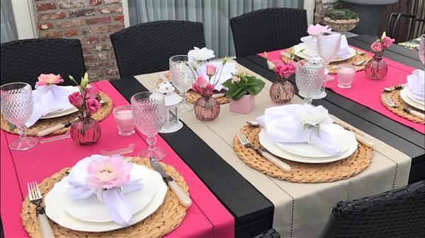 mesa para receber amigas