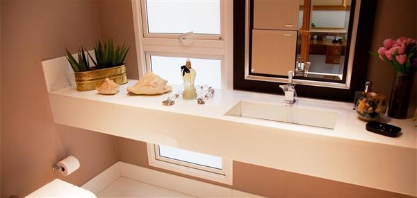 decoracao-lavabo-com-bancada-de-granito claro