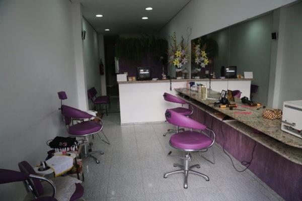 salão de beleza roxo