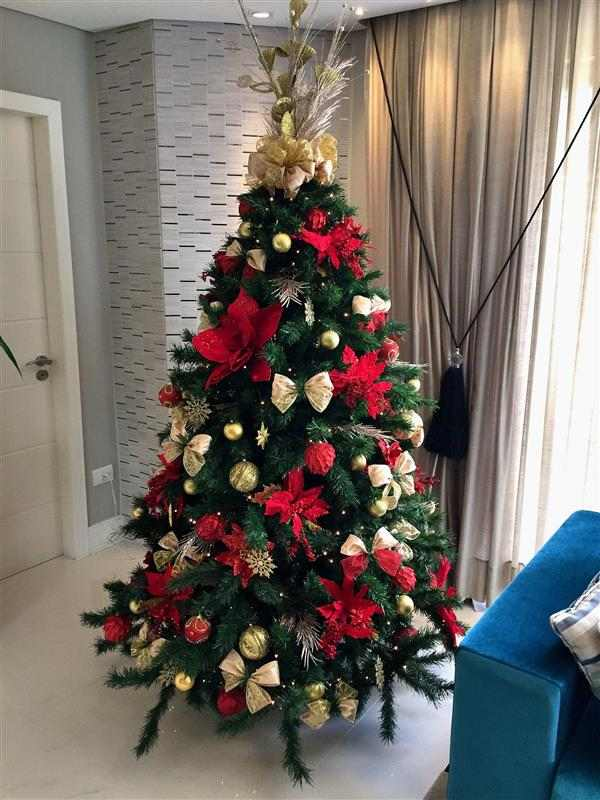 decoração de arvore de natal com laços
