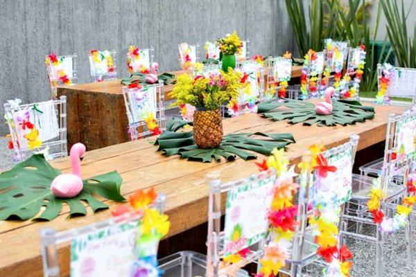 mesa dos convidados decorada