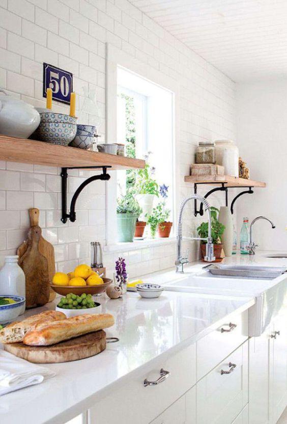 Decoração de Cozinhas Pequenas com Prateleiras