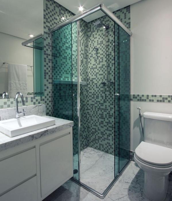 banheiro com nicho e pastilha