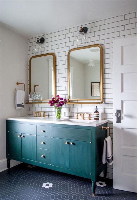 banheiro decorado preto branco e azul